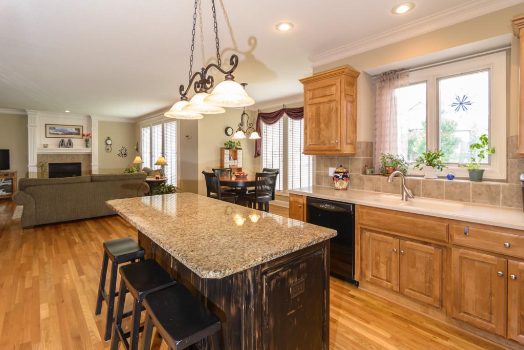 real estate kitchen photo2
