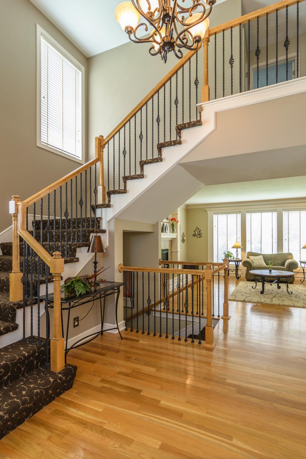olathe real estate stairs photo1