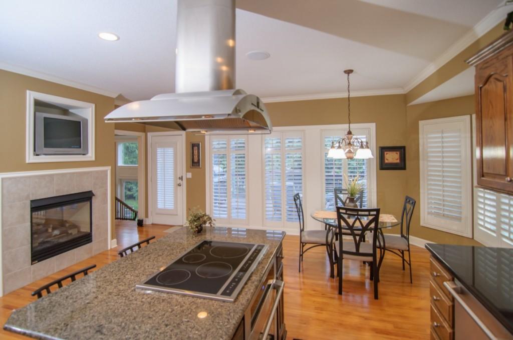 olathe real estate kitchen photo3